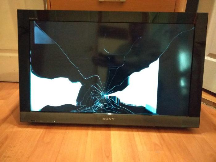 Разбит экран плоского телевизора
